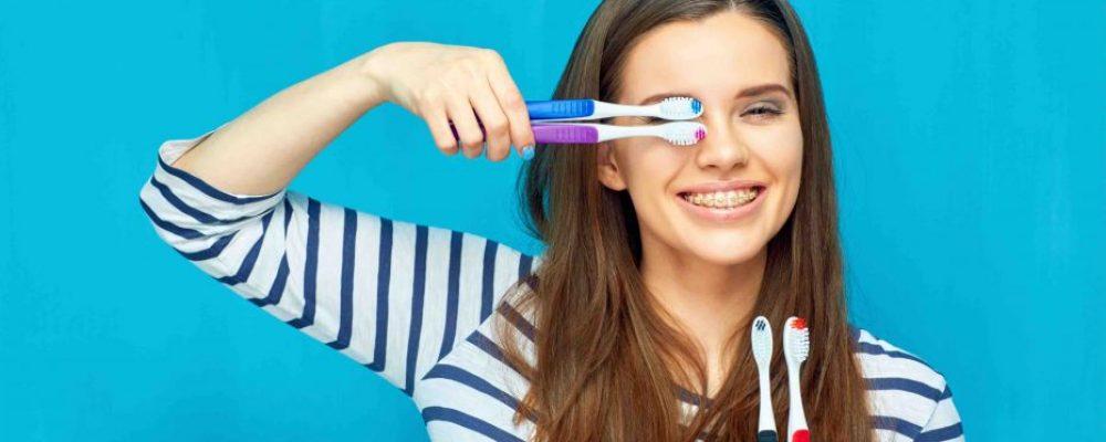 Zähne mit einer Zahnspange richtig putzen - Wichtige Tipps