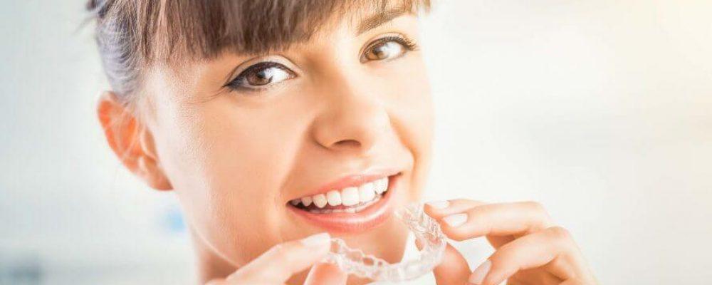 Zahnspange Invisalign - Die perfekte Zahnspange?